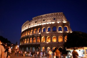 The-Roman-Colosseum-by-night